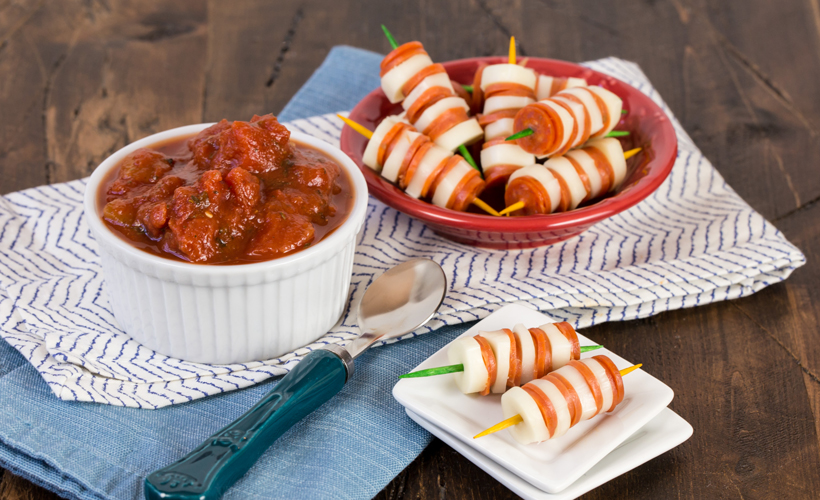 Pizza-Skewers-with-Chunky-Tomato-Dipping-Sauce_Garnish-with-Lemon-Kid-Friendly-Snacks.jpg